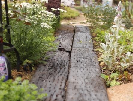 憧れのオープンガーデンを我が家にも!! ご夫妻がお好きな植物に囲まれた家族が集うお庭